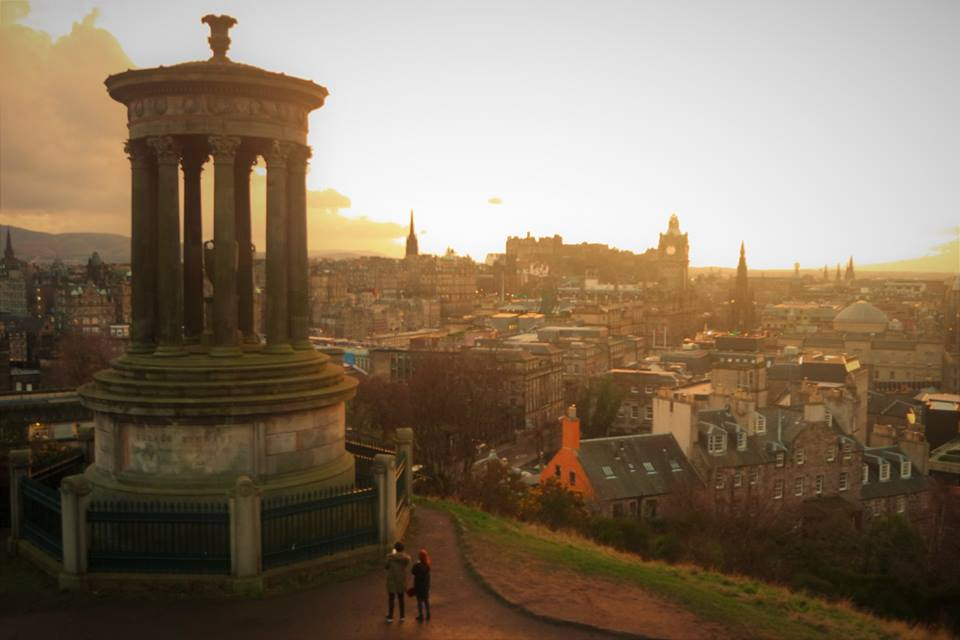 Atardecer en Calton Hill, Edimburgo, las 10 ciudades más bonitas de Europa