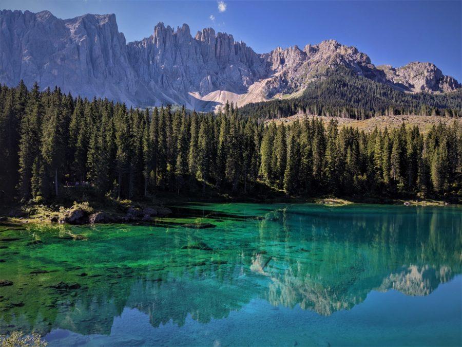 Carezza, el lago arcoíris de Dolomitas
