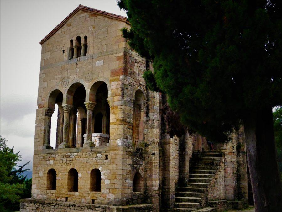 Visitar Santa María del Naranco en Oviedo